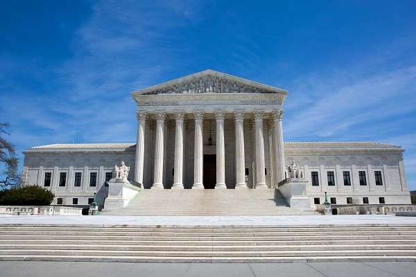 """The corrupt U.S. Supreme Court has voted 7 -2 to toss the Obamacare lawsuit filed by 18 states. Once again, the ruling was made not on merits of the case but for a """"lack of standing&quo.."""